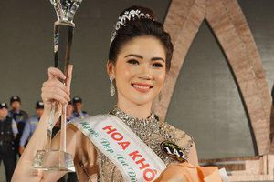 Bùi Kim Quyên đăng quang Người đẹp xứ Dừa 2019