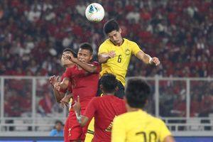 Hạ Indonesia, Malaysia áp sát đội tuyển Việt Nam
