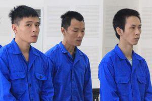Nhóm thanh niên truy sát đối thủ ở quán karaoke