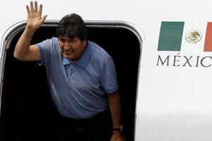 Tranh cãi xung quanh việc ra đi của cựu Tổng thống Bolivia