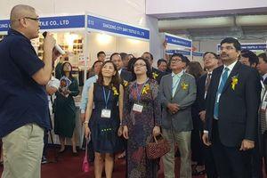 Khai mạc đồng thời 4 triển lãm chuyên ngành dệt may, da giày tại TP. Hồ Chí Minh