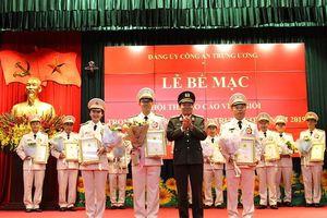 Trung tá Hồ Anh Tuấn đoạt giải Đặc biệt Hội thi Báo cáo viên giỏi