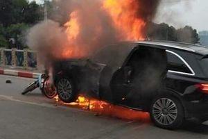 Hà Nội: Lộ diện nữ tài xế Mercedes liên quan đến vụ tai nạn nghiêm trọng làm 1 người chết thảm tại cầu Trung Hòa