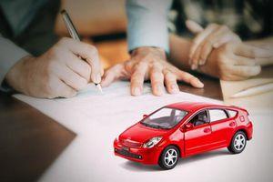 Nhân viên bán bảo hiểm ô tô phạm tội tham ô được giảm án 2 năm tù