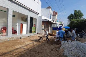 Huyện 'tuýt còi' ý tưởng xây hàng rào chắn mặt tiền nhà dân của chính quyền xã ở Cà Mau