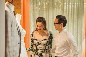 Hồ Ngọc Hà và Kim Lý bị bắt gặp đi thử áo cưới ở wedding L'amant