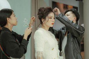 Lệ Quyên bất ngờ trình diễn thời trang tại show thời trang áo cưới L'amant