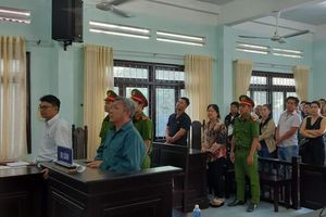 Vụ 'xô xát vì bị tháo biển số xe' tại Bình Thuận: Tòa trả hồ sơ yêu cầu điều tra bổ sung