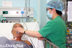 Cứu bệnh nhân bị vỡ phình động mạch chủ bụng nguy cấp