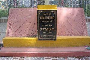 Đồng hồ đá hơn 100 tuổi bị 'bỏ quên' ở Bạc Liêu có gì đặc biệt?
