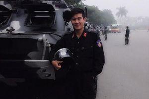 Hà Nội: Chiến sĩ công an tìm kiếm gia đình cho cụ bà bị lẫn