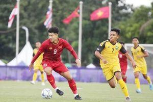 U22 Campuchia đánh rơi chiến thắng, Đức Chinh được truyền thông khen ngợi