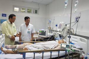 Xe chở nhà sư bị TNGT: Ủy ban ATGT Quốc gia thăm nạn nhân nguy kịch