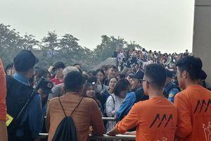 Náo loạn ở sân vận động Mỹ Đình trước lễ trao giải Asia Artist Awards