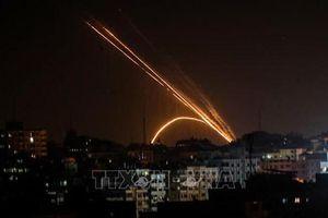 Israel không kích trả đũa các vụ bắn rocket