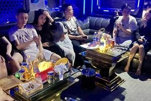10 khách Trung Quốc dương tính với ma túy trong quán karaoke Hoàng Gia