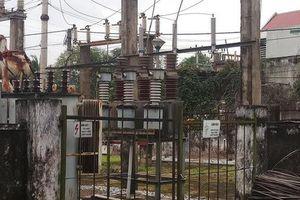 Sửa điện không mang đồ bảo hộ, một người bị điện giật tử vong