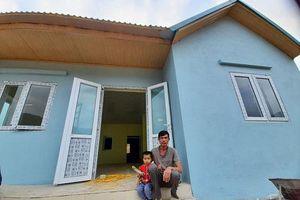 Nạn nhân vùng lũ Sa Ná vui mừng nhận nhà mới ở khu tái định cư