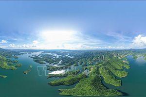 Vẻ kỳ vĩ của hệ thống hang động núi lửa dài nhất Đông Nam Á tại Công viên địa chất Đắk Nông