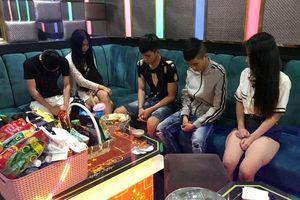 Công an đột kích phát hiện 22 đối tượng 'phê' ma túy trong quán karaoke