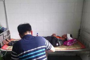 Gia Lai: Bị đánh rách da đầu, người đàn ông cầm dao đâm bạn nhậu tử vong