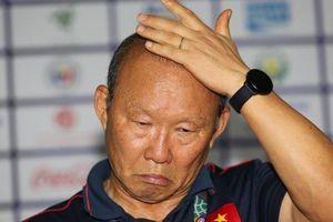 U22 Việt Nam đang leo núi, thầy Park bị bắt bài!