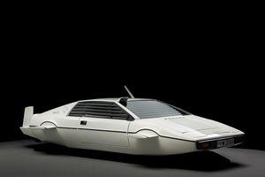 Tỷ phú Elon Musk bỏ gần 1 triệu USD tậu xe phim James Bond