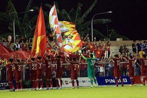 Hào khí Việt Nam tiếp tục đươc các cầu thủ trẻ hát vang