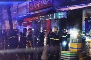 3 người tử vong trong vụ cháy nhà ở Sài Gòn: Nạn nhân nhỏ nhất mới 1 tuổi, căn nhà khóa nhiều ổ nên việc phá cửa gặp nhiều khó khăn