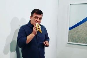 Người ăn chuối 120.000 USD tại triển lãm: Đó là nghệ thuật của tôi