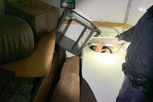 Phát hiện 11 người di cư Trung Quốc trốn trong máy giặt, tủ quần áo để vào Mỹ