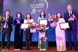 Vinh danh ba nhà khoa học nữ xuất sắc