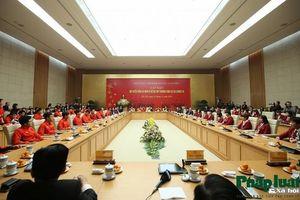 Thủ tướng Nguyễn Xuân Phúc gặp mặt thân mật hai đội tuyển bóng đá Việt Nam