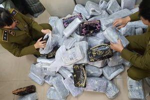 Hà Nội phát hiện hơn 700 'hàng hiệu' nhái Chanel, Gucci..
