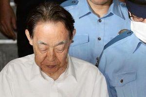 Đâm con trai hơn 30 nhát, cựu thứ trưởng Nhật Bản lãnh 6 năm tù