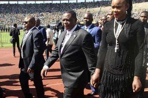 Phó tổng thống Zimbabwe bị vợ mưu sát như phim