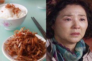 Mẹ chồng lên chơi, con dâu tiếc tiền chỉ đãi bà ăn cơm với cá khô mà không ngờ bà cho mình thứ này...