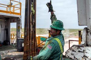 Giá dầu lập đỉnh mới của 3 tháng