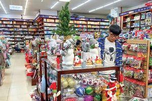 Nhộn nhịp thị trường quà Giáng sinh