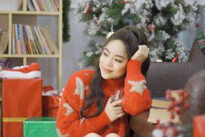 Mai Diệu Ly chơi trội, làm MV tặng người yêu nhân dịp Giáng sinh