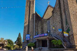 Toàn cảnh hai nhà thờ lớn ở Huế trong dịp Giáng sinh