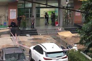Phát hiện người phụ nữ rơi từ tầng 19 chung cư xuống đất tử vong