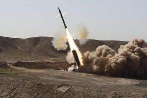 Phiến quân bắn tên lửa về phía ngôi làng của Tổng thống Syria ở Latatkia