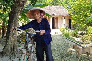 Cụ bà 83 tuổi gửi đơn xin thoát nghèo và lòng tự trọng