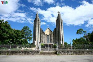 Nhà thờ Phủ Cam – dấu ấn kiến trúc hiện đại ở thành phố Huế