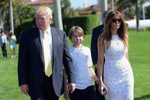 Vì sao Đệ nhất phu nhân Mỹ Melania Trump hiếm khi cười và thể hiện cảm xúc?