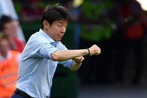 Báo Hàn đem hooligan, bán độ, bạo động ra dọa ông Shin