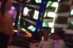Bất ngờ bạn hát karaoke cùng lãnh đạo VKSND trong giờ làm