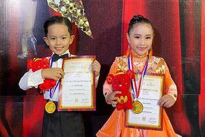 Con trai 4 tuổi của Khánh Thi đoạt giải dance sport