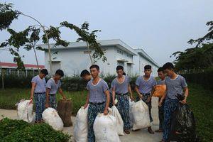 Lính nhà giàn bảo vệ môi trường biển
